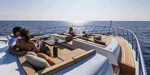 Daily Yacht Tours